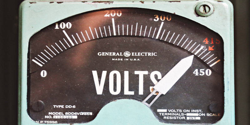 An old General Electric voltage reader gauge